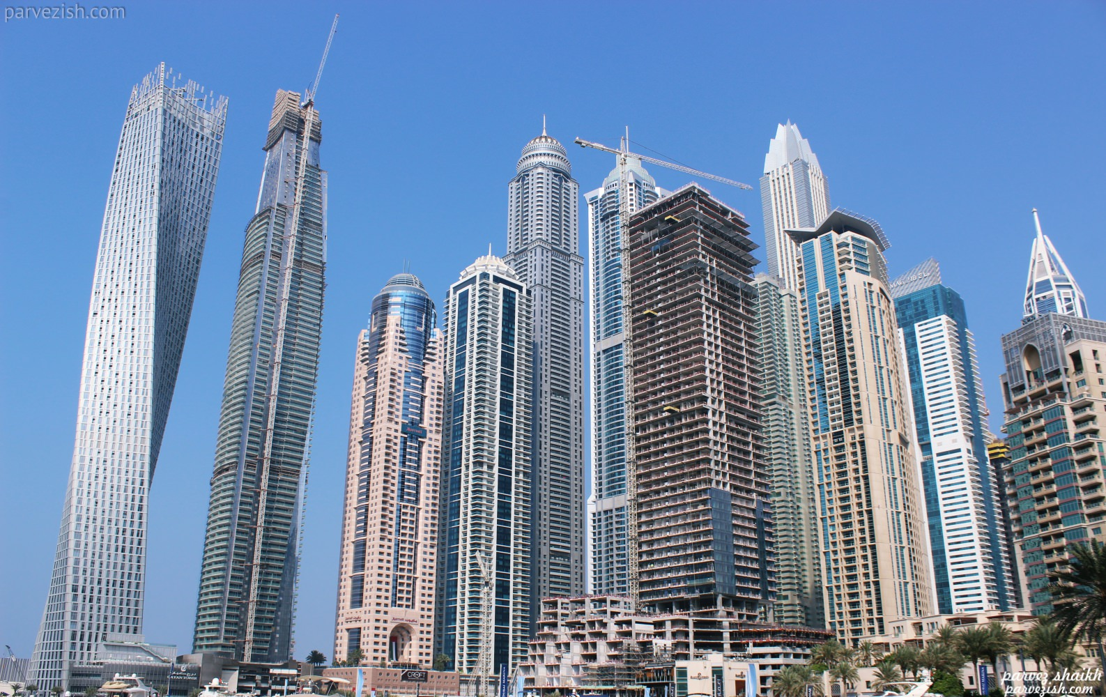 Cayan Tower Dubai Marina