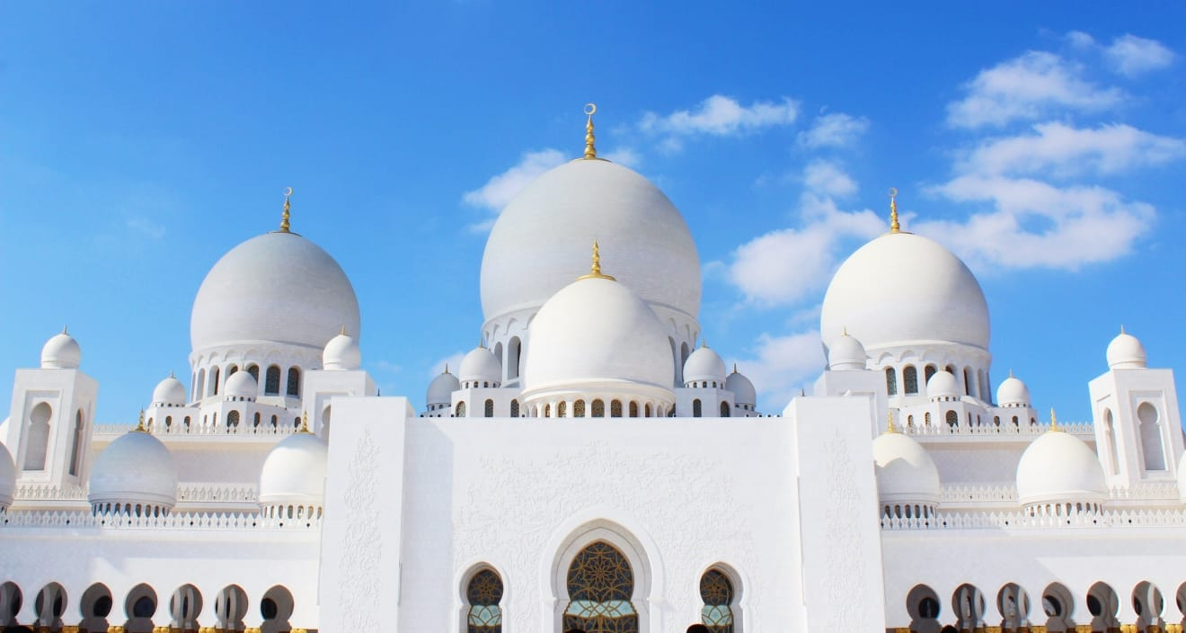 Sheikh Zayed Grand Mosque Is Simply the Best Place You Will See in Abu Dhabi