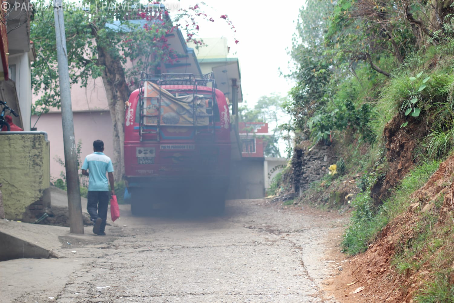 A Bus on the Roads of Tansen