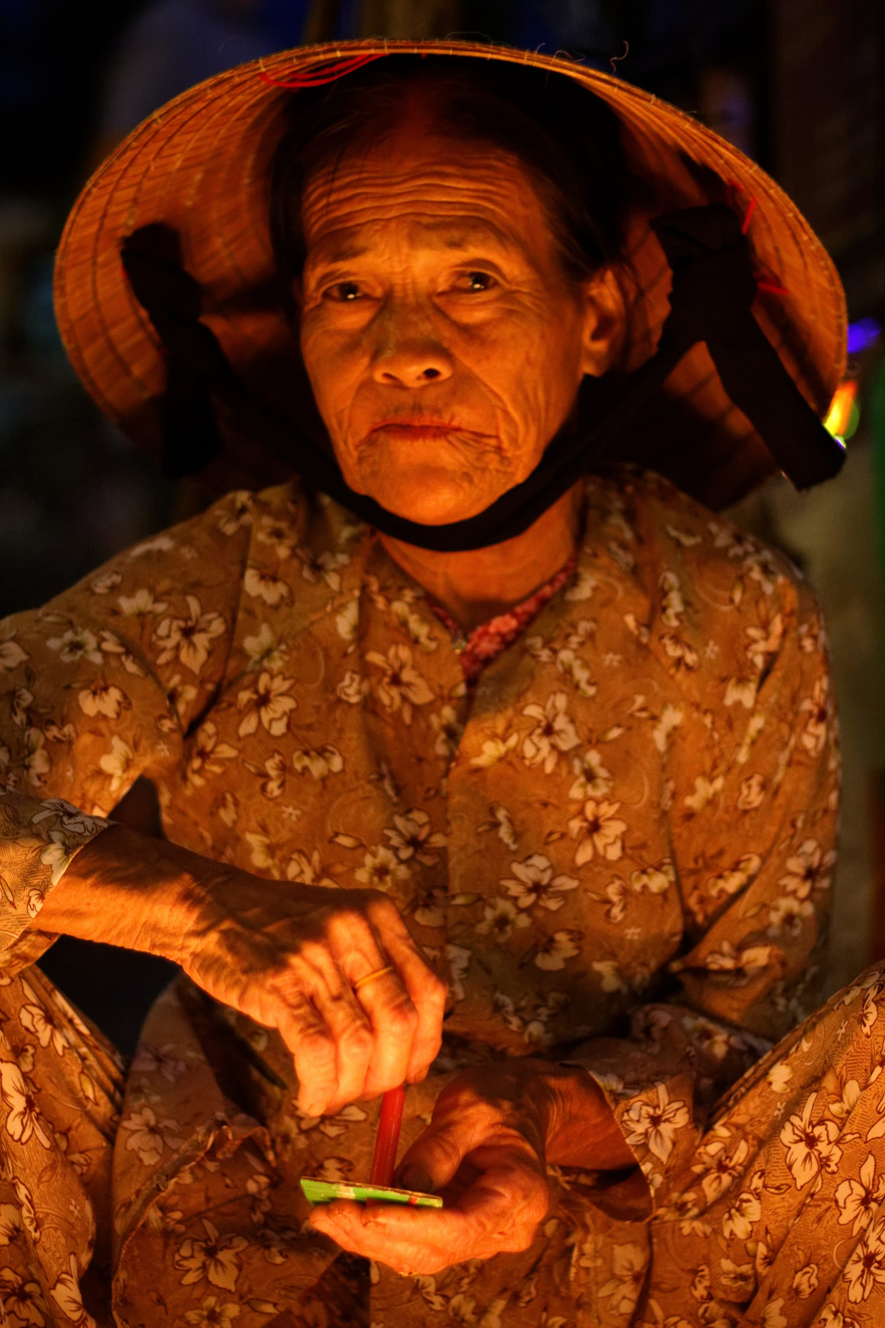 An Old Lady Selling Candles, Hoi An