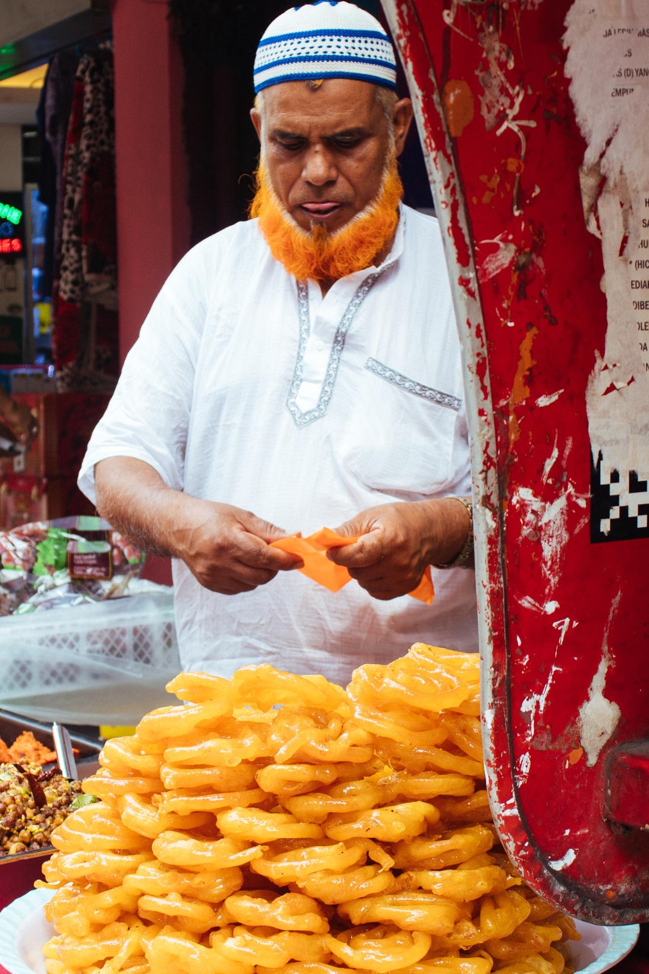 A man selling street food during Ramdan