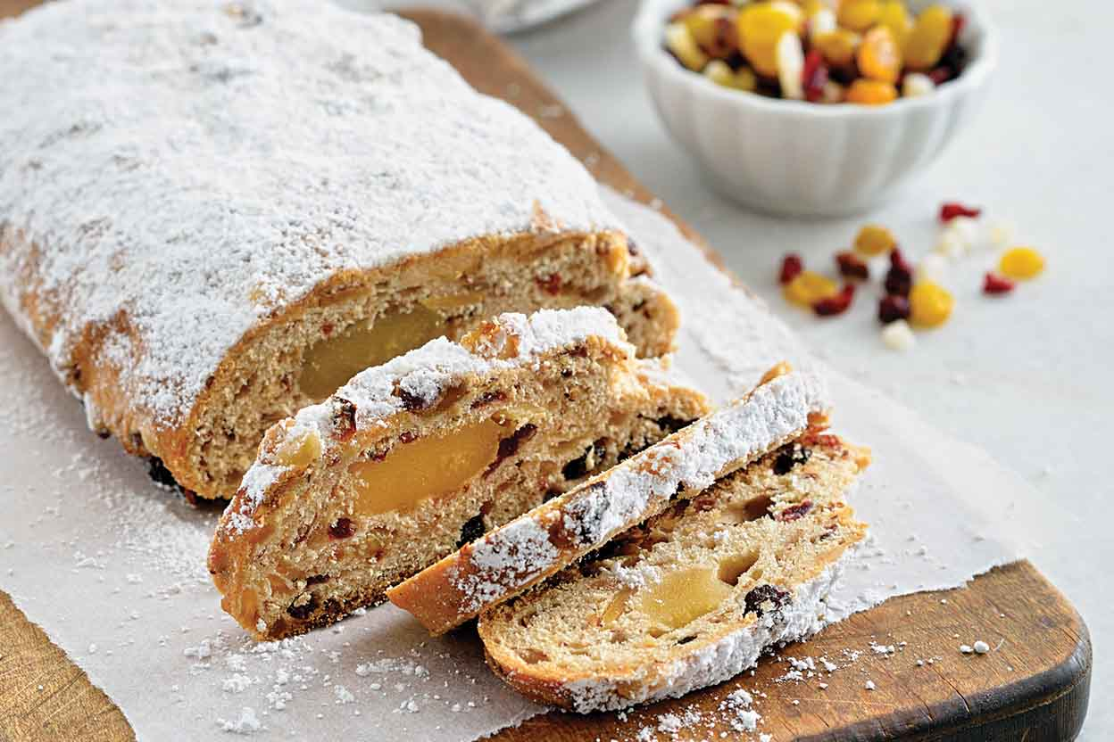 Christstollen: Traditional German fruit bread